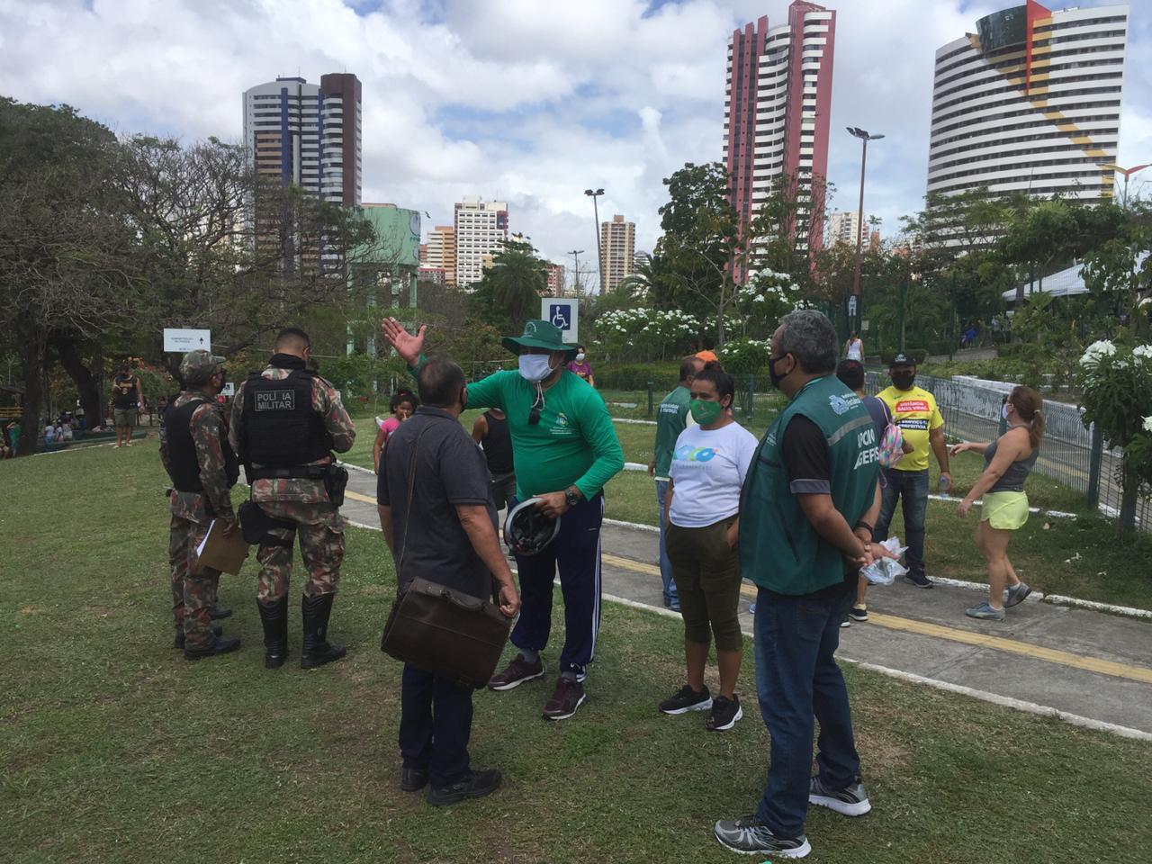 Blitze educativas no Parque do Cocó cobram uso de máscara