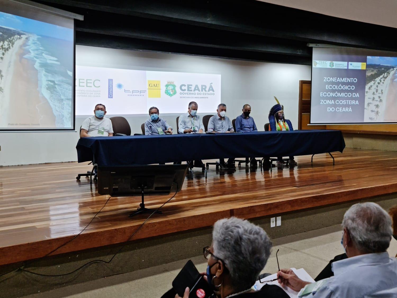 Sema realiza primeira Audiência Pública híbrida do ZEEC, no auditório do IFCE, em Fortaleza